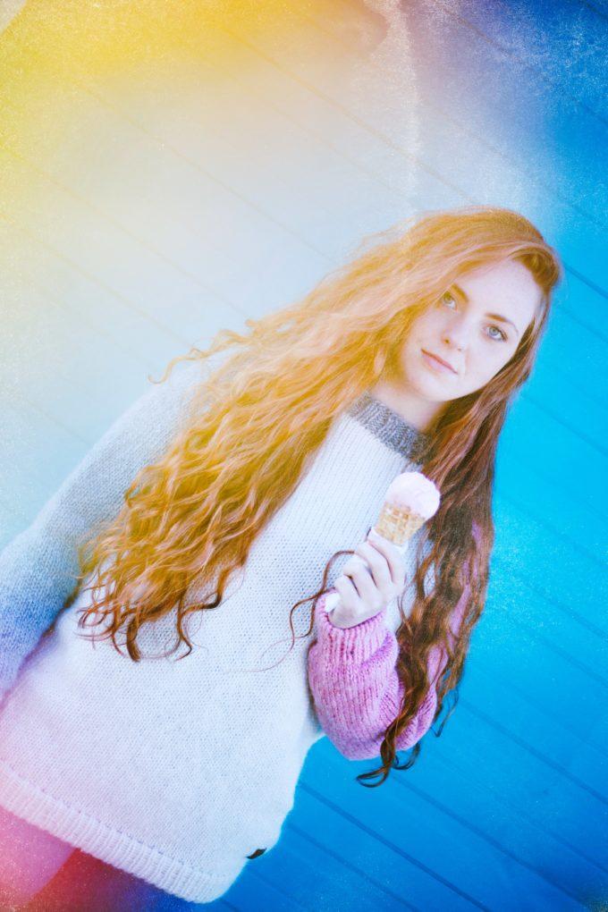 KARNIVAL sweater